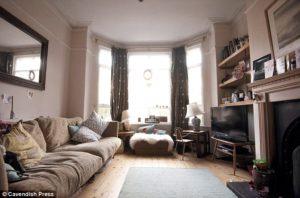L'appartamento a Didsbury, Manchester, teatro della copertina di Definitely Maybe.