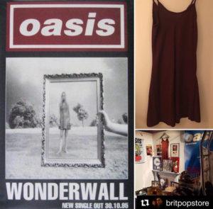 Il vestito indossato da Anita Heryet nella copertina di Wonderwall. (Foto @britpopstore | Instagram)